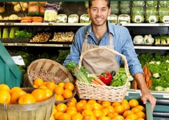 shopping-at-the-market-picture-id507209949
